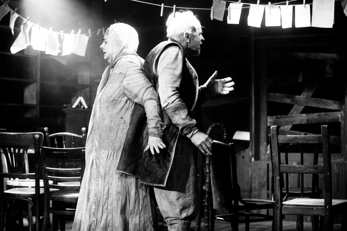 székek pesti magyar színház